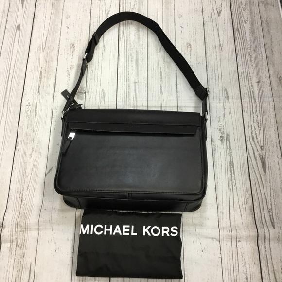 160078065c09 NWT Michael Kors Mens Leather Logo Messenger Bag